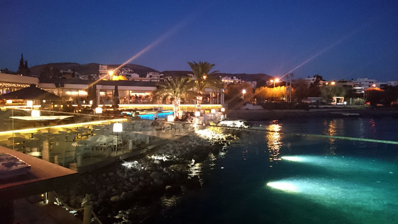 View of the southern suburb of Voula from the Vive Mar Restaurant. Image by Velvet.