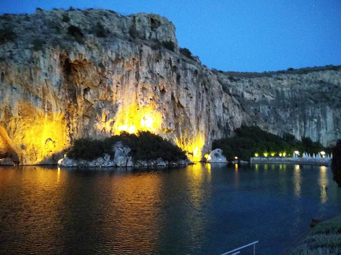 View of the Vouliagmeni Lake after sunset. Image by Elisabeth.