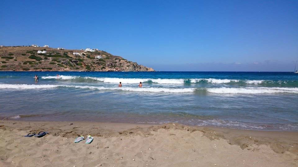 The beach of Kini