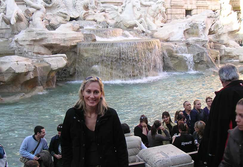 A blonder version of Velvet in front of the famous Fontana di Trevi in Rome. Image by George
