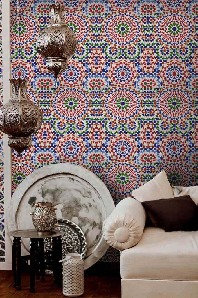 What a beautiful wallpaper with a geometric pattern inspired by the tiles in Marroco. Image by Mindthegap.