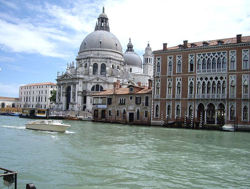 View of the canal with Santa Maria della Salute.