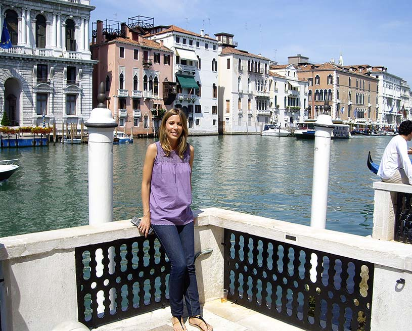 Elisabeth with the Grand Canal in the background.