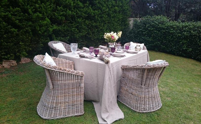 A second tablescape for Easter dining with splashes of pink and mauve accents.