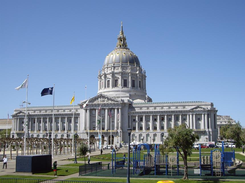 The San Francisco City Hall on a sunny day.