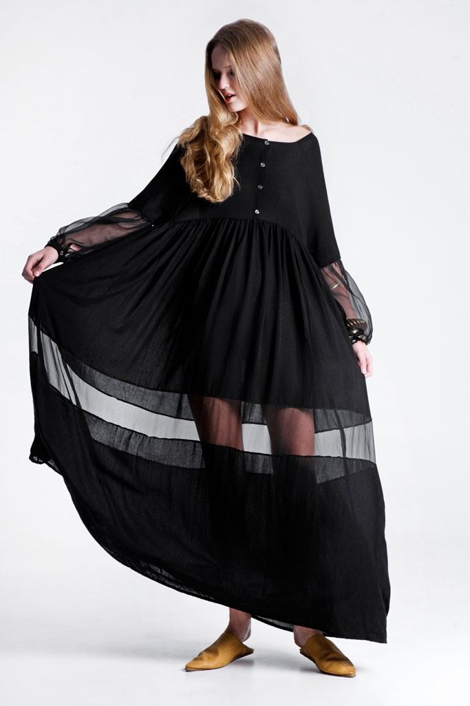 A boho chic RIEN dress that rocks in black.
