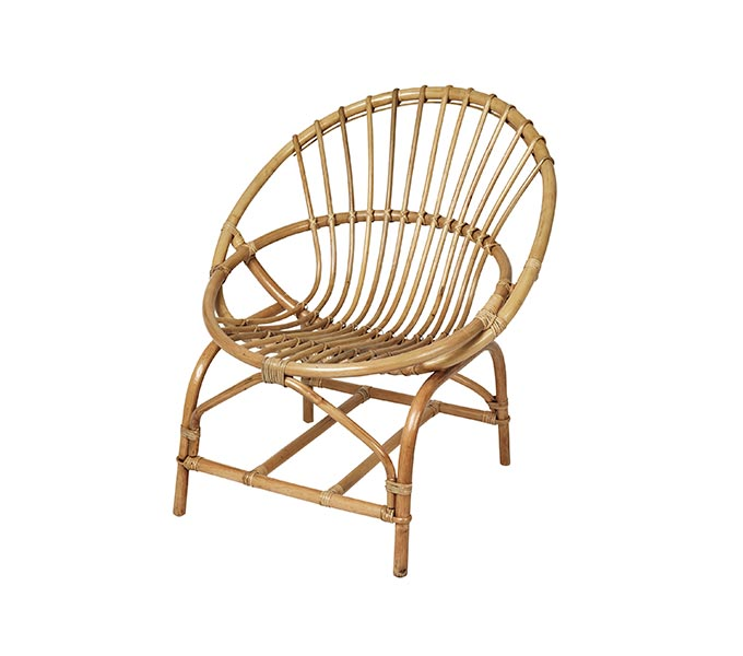 A curvy rattan chair. Image by Amara.