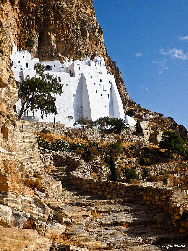 View of the Monasteri Panagia Hozoviotissa built on the side of a cliff on the island of Amorgos. Image by Image by Amphithoe on Flickr.