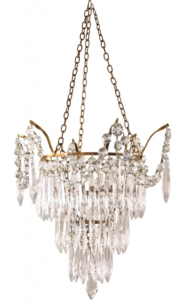 A stunning crystal chandelier. Image by Fritz Fryer.