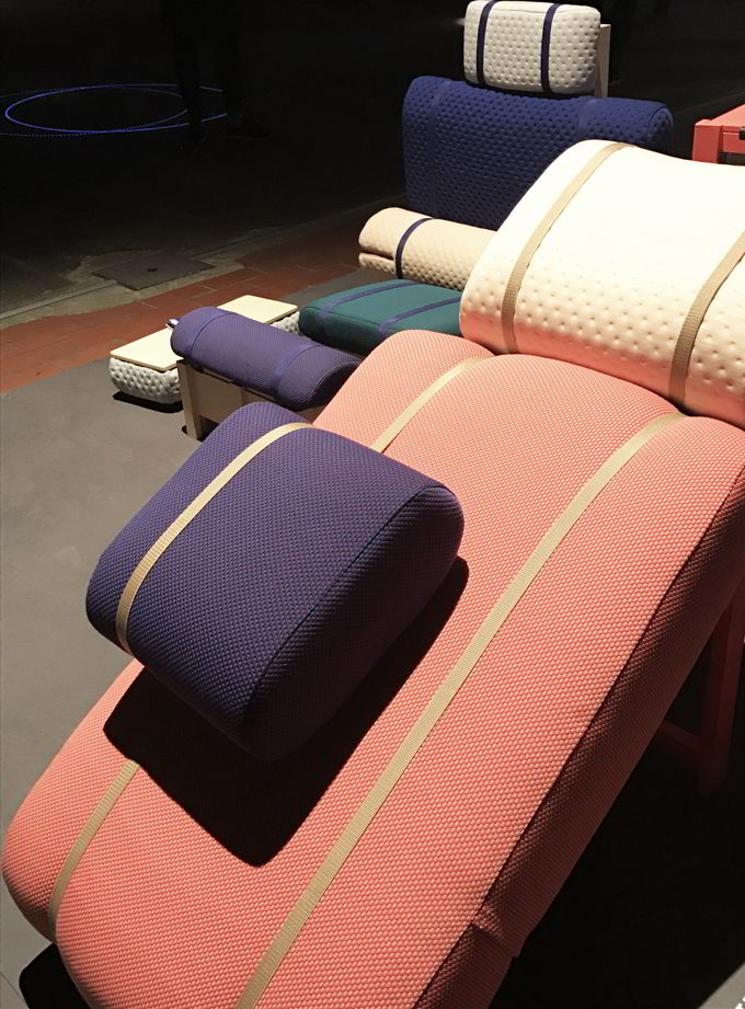 Image of the office furniture designed by Geoffrey Pascal for the Graduation Show DAE during the DDW18.