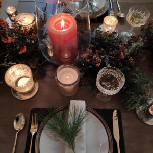 View from above of one set at Elisabeth's Christmas tablescape.
