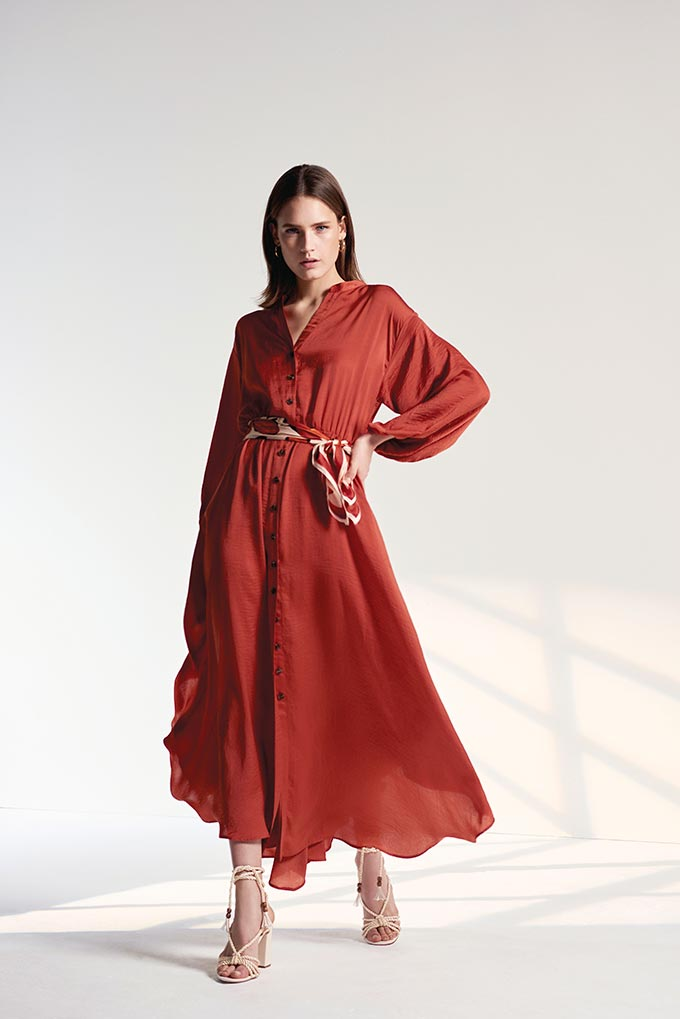 What a beautiful spiced honey dress with long sleeves. It looks so soft and airy. Image by Wallis.