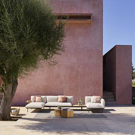 A contemporary modular sofa arrangement outdoors looking amazing. Image by Go Modern Furniture.