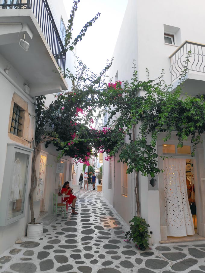 A small alley between white washed buildings in Parikia Paros.