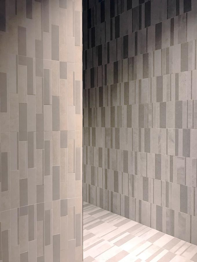 A tile installation designed by Piero Lissoni for Atlas Concorde at Cersaie 2019.