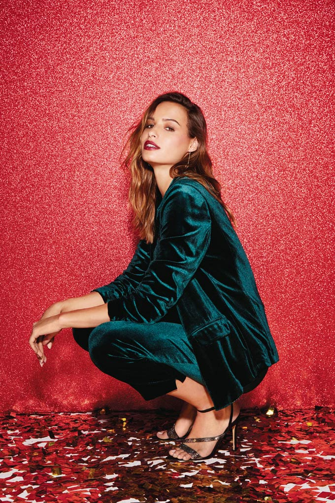 What a beautiful green color of velvet is this pant-suit! Very festive and chic. Image via Dorothy Perkins.