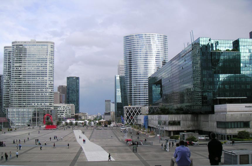 The view from the Grande Arche towards the center of Paris.