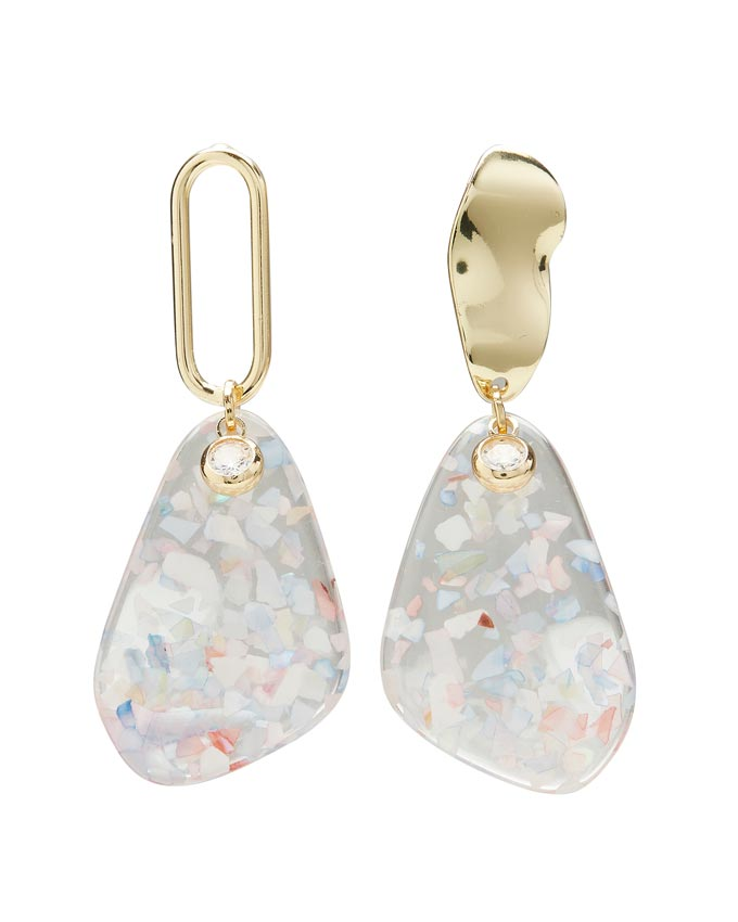 A pair of mismatched crystal pendant earrings from Oliver Bonas.
