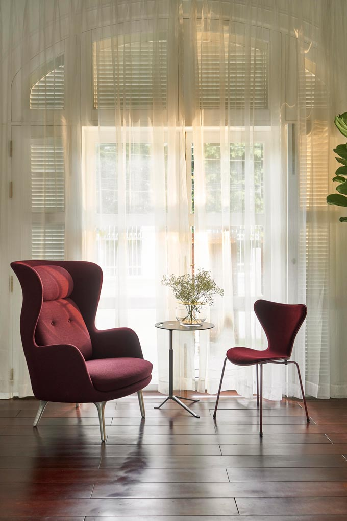 Decorating with velvet - how about the Seriew 7 Fritz Hansen chair in velvet - part of the SS20 collection. Image: Nest.co.uk.
